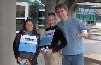 Photo: Steve Northover and the Netbeans girls