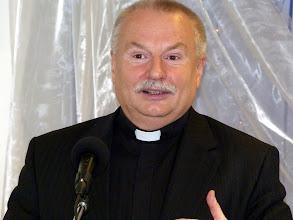 Photo: 2011. december 4-én Szabó Vilmos Béla, evangélikus esperes úr hirdette az Igét Gyülekezetünkben.