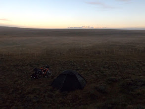 Photo: Camping in der Pampa.
