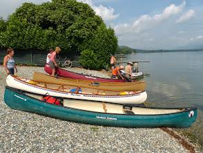 Photo: Le barche aspettano l'imbarco sul lago di Viverone