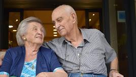 Los dos, Conchita y Ricardo, llevan casados 'setenta y pico de años'. Una vida entera juntos, con cinco hijos y mucho amor. Fotos: Ricardo Alba