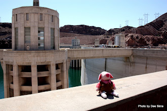 Photo: (Year 3) Day 50 - Pippa Finds Her Way to Hoover Dam