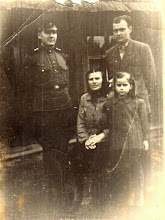 Photo: Žygienė Julija su sūnumis ir dukra Adele. Nuotrauka iš Adelės Gusčiūtės archyvo