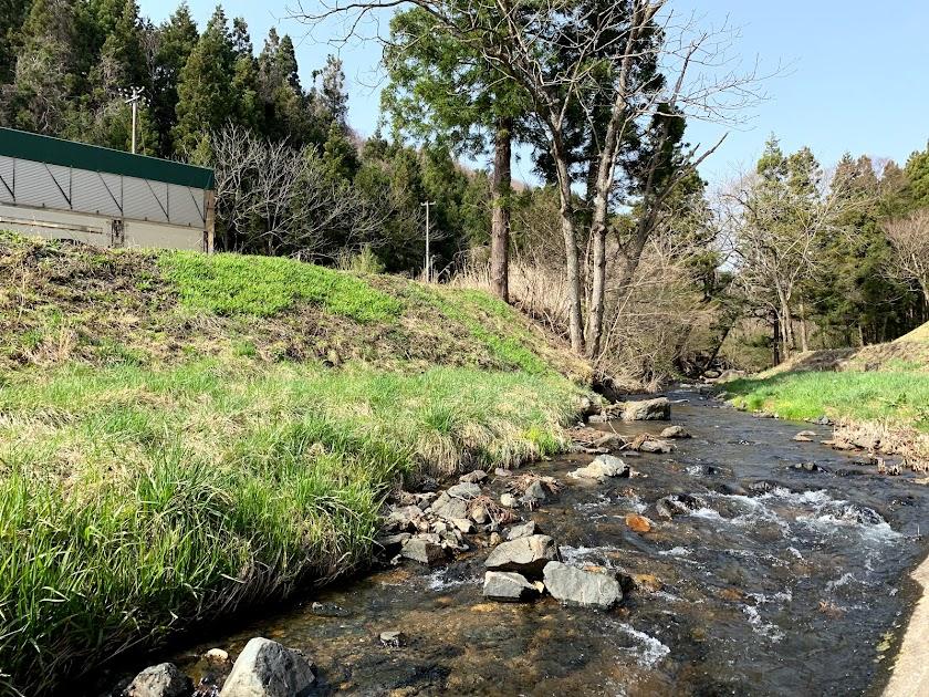 早池峰山瀧源寺近くを流れる小川