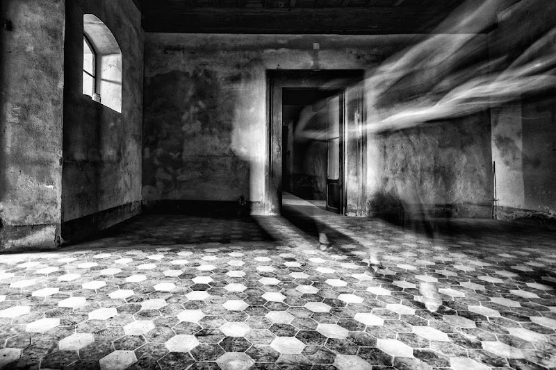oscure presenze di mirko_borselli