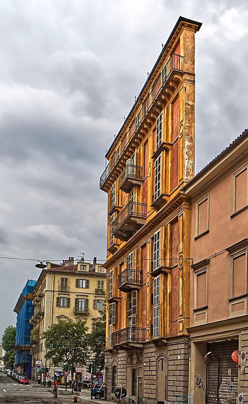 """Casa Scaccabarozzi detta """"Fetta di polenta"""" di FZATOX"""