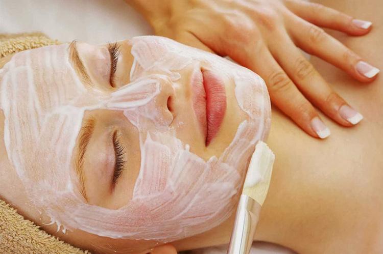 Các loại mặt nạ làm mịn da và se lỗ chân lông