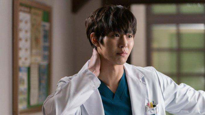 dua-aktor-tampan-bintangi-drakor-romantic-doctor-teacher-kim-2-raih-rating-tinggi-tayang-perdana