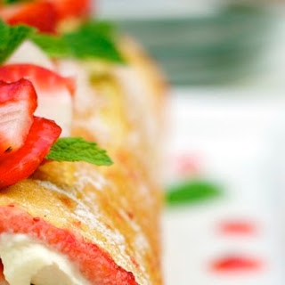 Strawberry & Mascarpone Swiss Roll