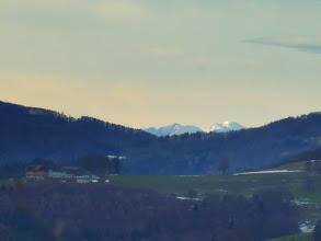Photo: Hochschwäbisches (Ringkamp (2153m), Hochschwab (2277m), eingekeilt zw. Gemeindealpe (1005m) und Gaisberg (961m)
