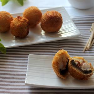 Shrimp-Stuffed Mushrooms with Ham