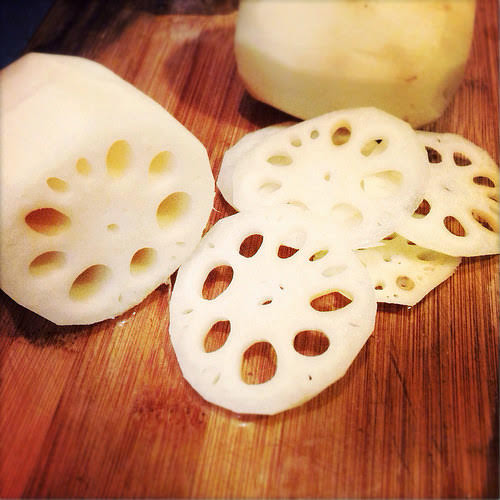 Stir Fry, Lotus Root, Chives, garlic chives,  韭菜花, 炒, 蓮藕, easy, recipe, chinese, vegetable