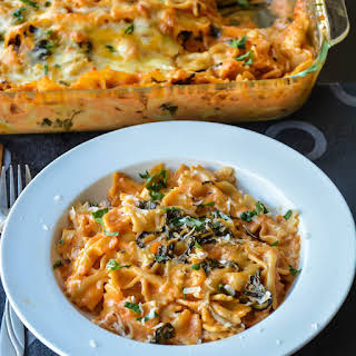 Baked Pasta in creamy spinach Rose sauce.