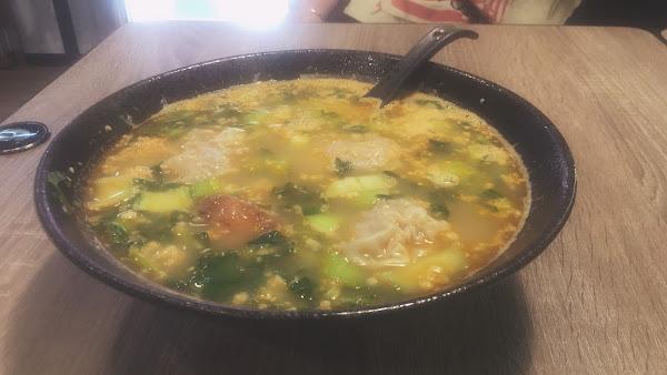 脆米混合泡飯+混吞,唐揚雞也是超正的 剛好住附近,放假就來吃,超方便,每次都撐著肚子回家🤣🤣🤣🤣