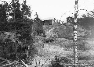 Photo: Gösaboda. Vy sedd från söder mellan Kullen och Gösaboda. Gamla vägen genom Vasselhyttan gick här