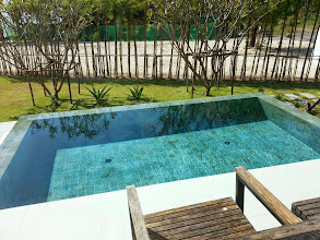 Photo: Pool of The BeachFront @ Phuket (Ocean front Condominiums and Vilas) / Бассейн