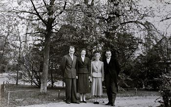 Photo: Kornelis Talens, mevr. Van Wezep, Aaltje Moek en Dominee van Wezep