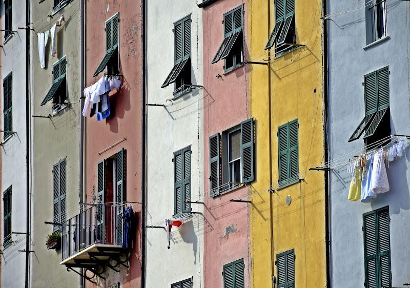 la casa multicolor  di Luciano Fontebasso