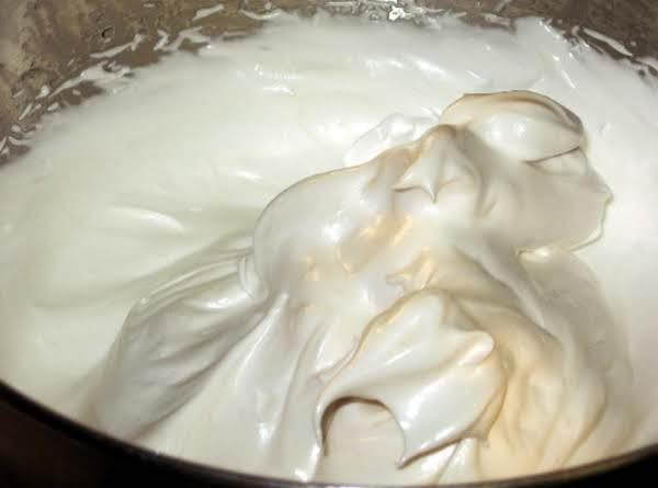 Fluffy White Frosting (aka:  7 Minute Frosting)