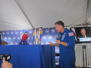 Photo: Astronaut Doug Wheelock answers Elmo's question about space