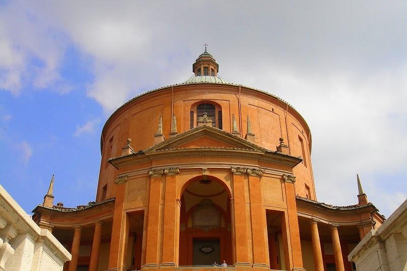Церковь Святого Луки в Болонье