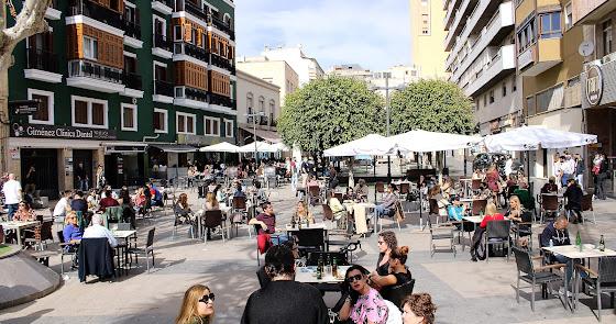 Hoteles y discotecas de Almería reciben con alivio su inminente reapertura
