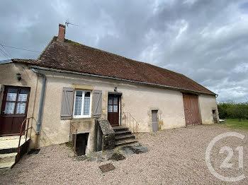 maison à Crux-la-Ville (58)