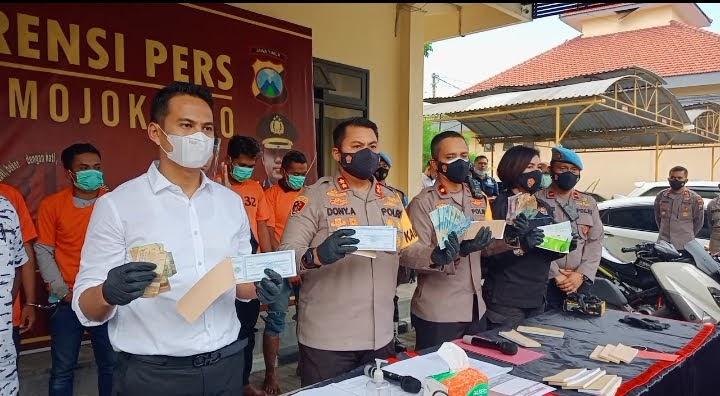 Berantas Premanisme,Polisi di Mojokerto Amankan 4 Tersangka