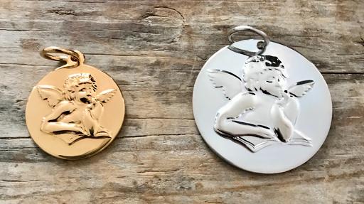 Collier grande médaille ange en plaqué or