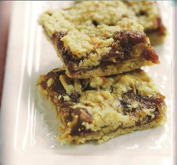 Date And Almond Bars From The Fat Witch