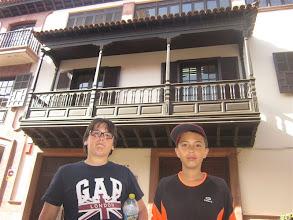 Photo: Balcon canario en una calle de La Laguna
