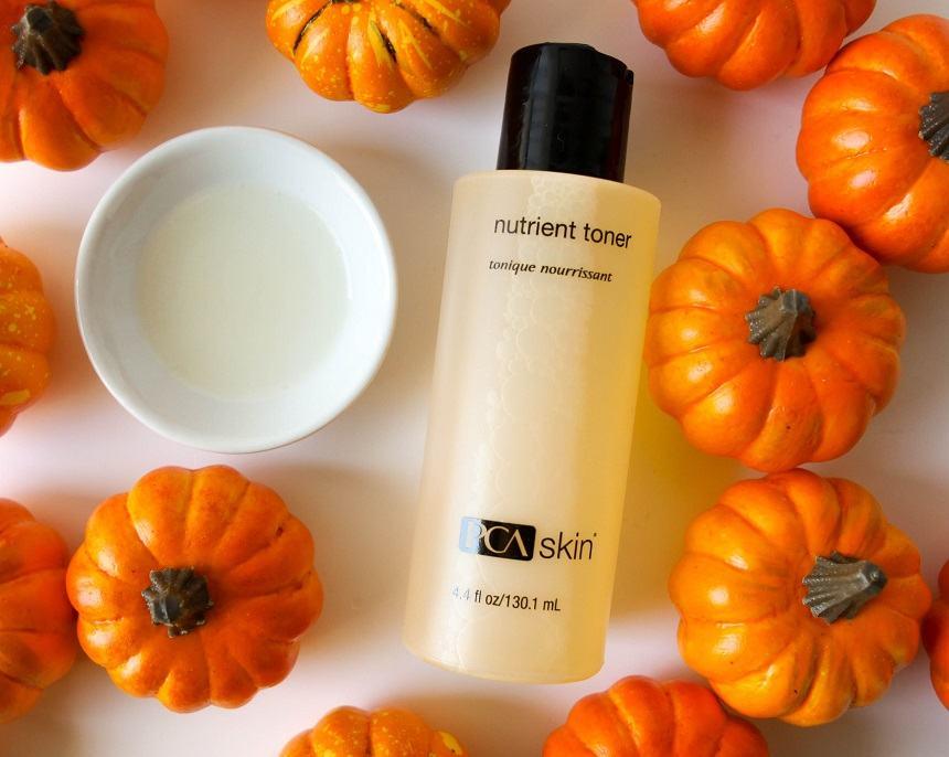 Toner PCA Skin Nutrient Toner giúp hạn chế tình trạng da bong tróc, sần sùi, kém sức sống