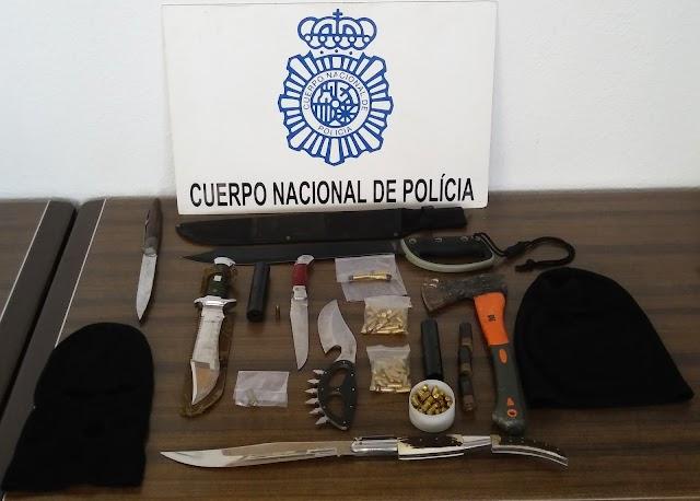 Objetos confiscados a los detenidos.