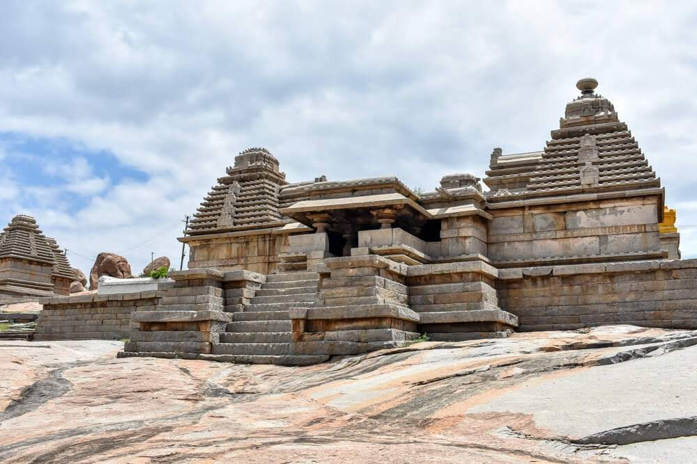 hemakuta+hill+temples+virupaksha+hampi+city+karnataka