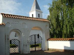 Photo: Port og kirke i Beder