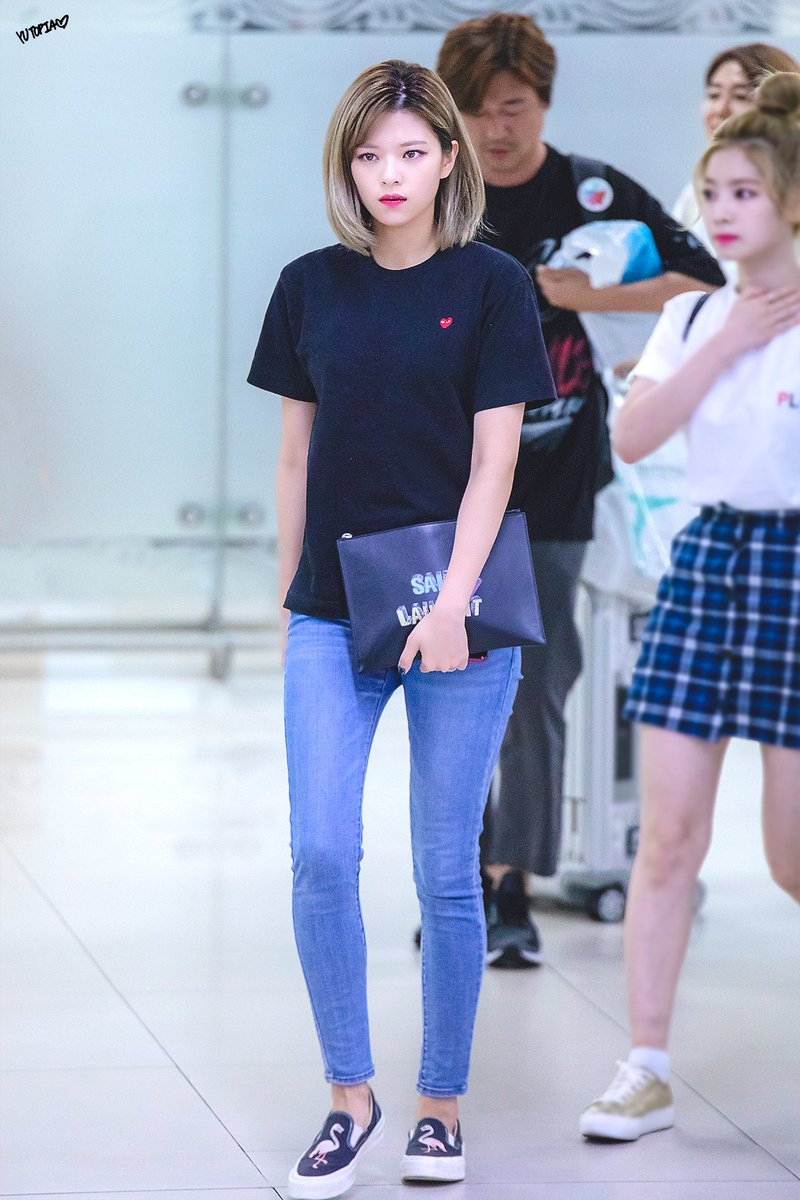 jeongyeon legs 35