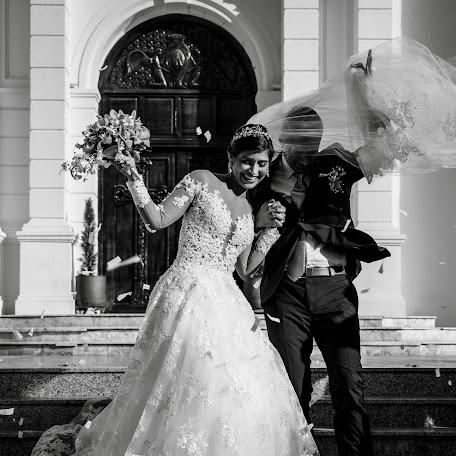 Wedding photographer Andres Henao (henao). Photo of 17.03.2018