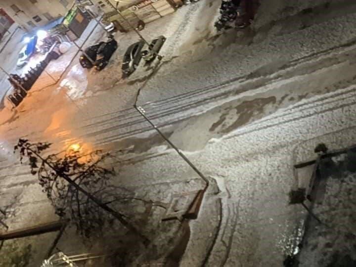شوارع مصر تكتسي باللون الابيض