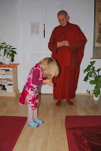 Photo: Obětiny Buddhovi - Pūjā