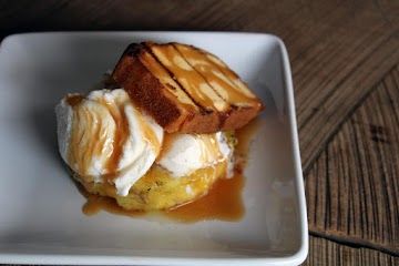 Grilled Pineapple Pound Cake Recipe