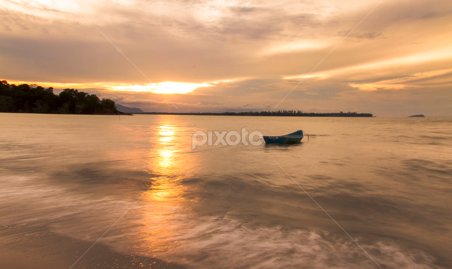Smooth waves by Victor Sim - Landscapes Sunsets & Sunrises ( clouds, sky, nature, sunset, boats, outdoor, seaside )