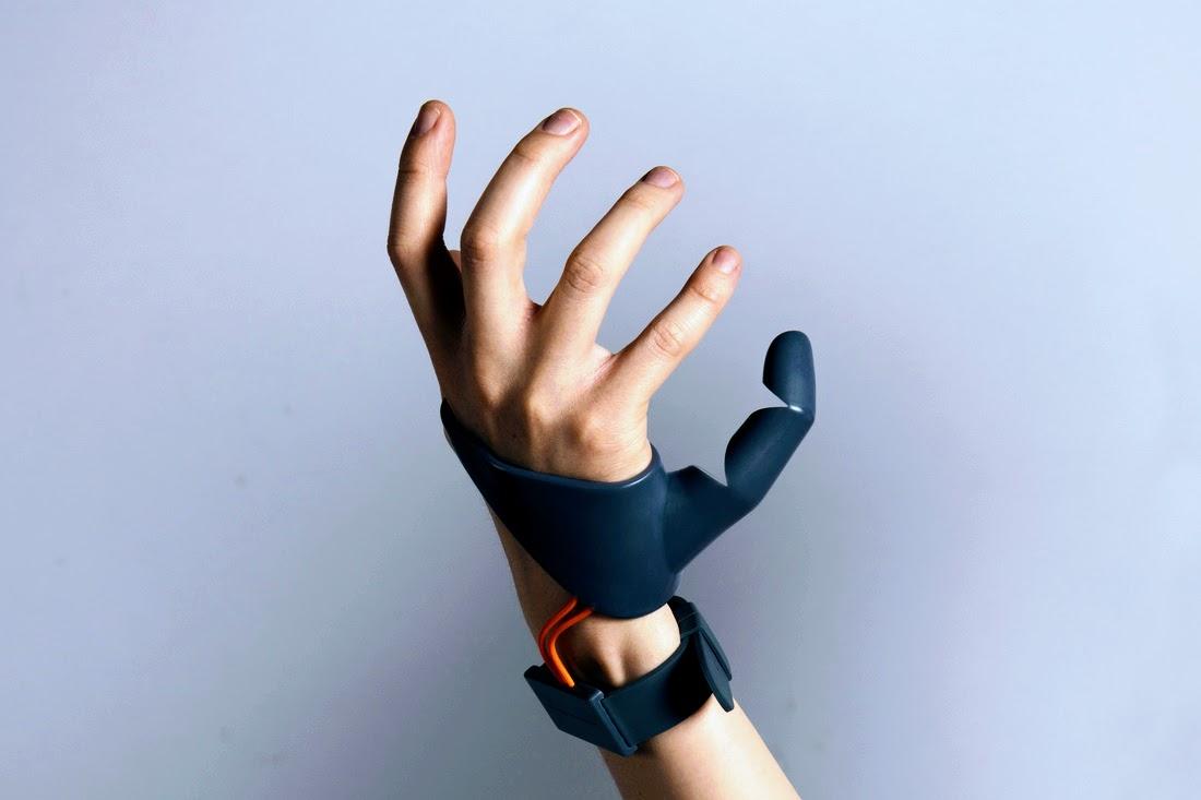 Протез третьего большого пальца, напечатаный на 3D принтере, дает сверхчеловеческие способности