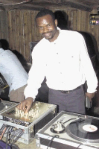 SW20050125FRE015:ENTERTAINMENT:SOCIALS:25JAN2005 - 20050120EN Dj Ganyani at his birthday party on the 23rd January 2005 at Lido Country Lodge in Eikenhof south of Johannesburg, this was second part of Ganyani's birthday party, the first was on the 19th Jan at his house. PIC: ELVIS NTOMBELA