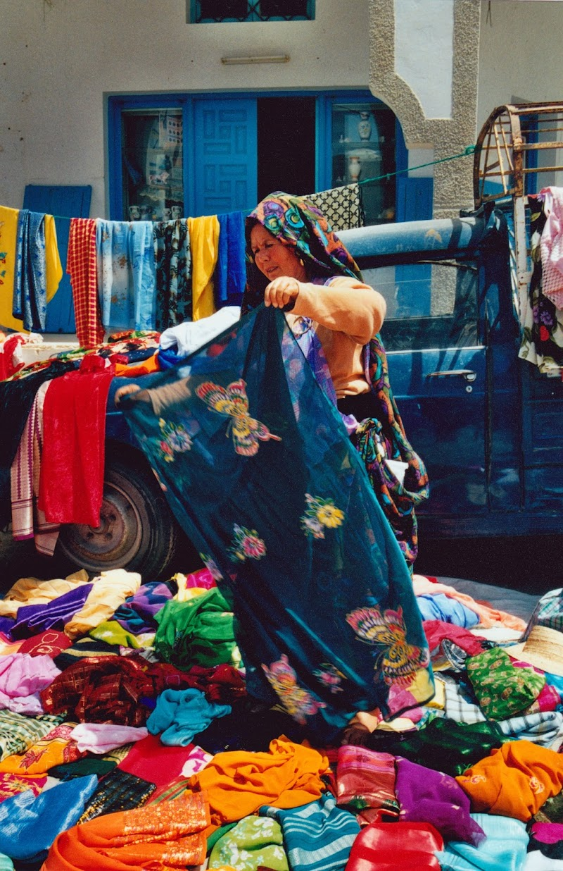 La venditrice di stoffe di Alberto_Caselli