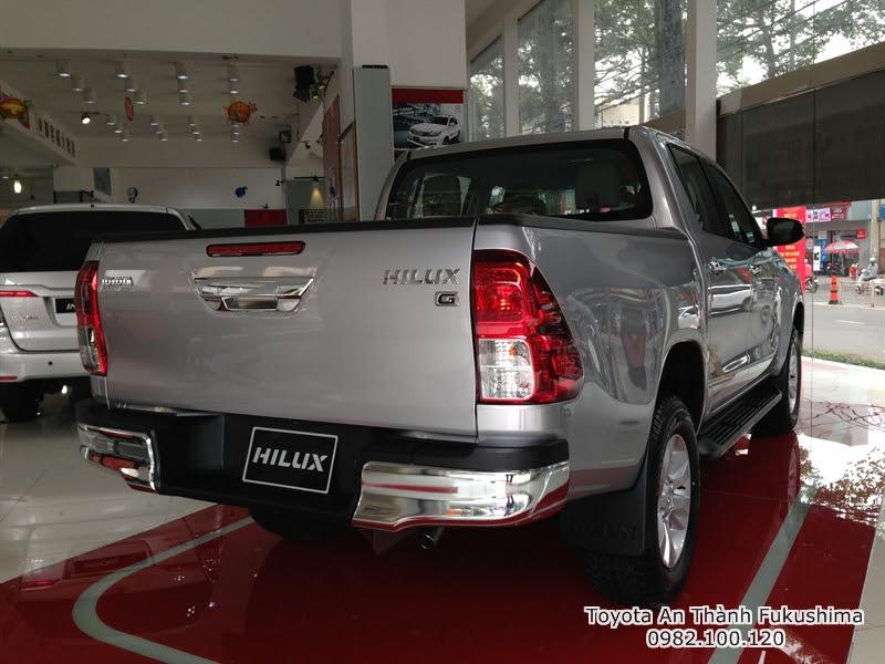 Khuyến Mãi Giá Xe Ôtô Bán Tải Toyota Hilux 2015 Nhập Khẩu Thái Lan 5