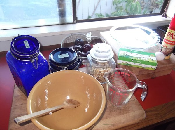 Assemble ingredients. Preheat oven to 400.  Spray pie plate or tart pan with cooking...