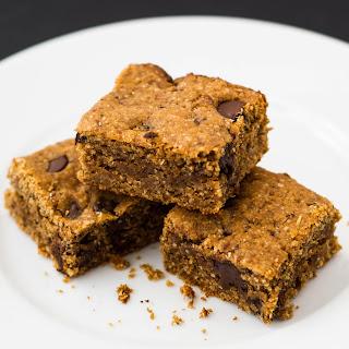 Peanut Butter Chocolate Chip Oat Bars {Gluten Free}
