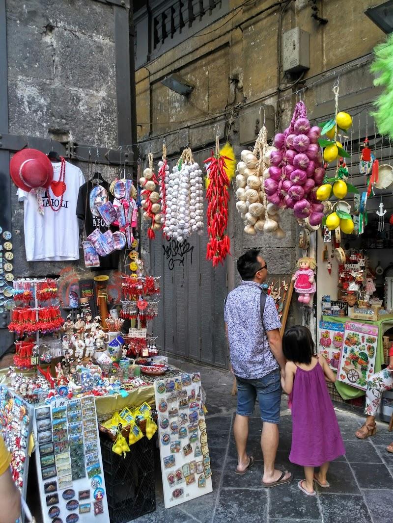 la superstizione perle vie di Napoli di claudio_sposetti
