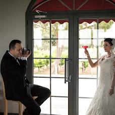 Wedding photographer Cüneyt Topal (cnytpl). Photo of 07.10.2017