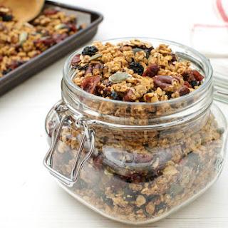 Quinoa Granola with Maple Syrup & Pecan [vegan]